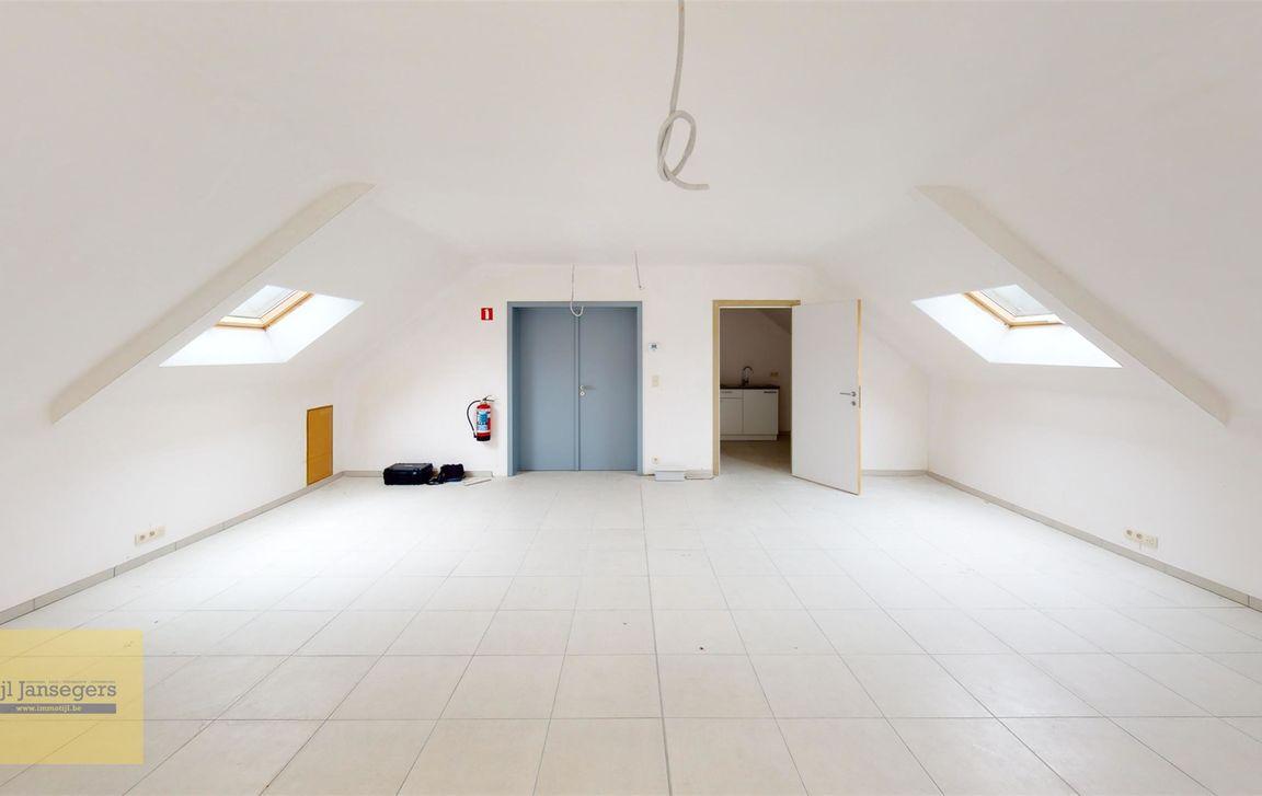 Gebouw voor gemengd gebruik te huur in Meldert